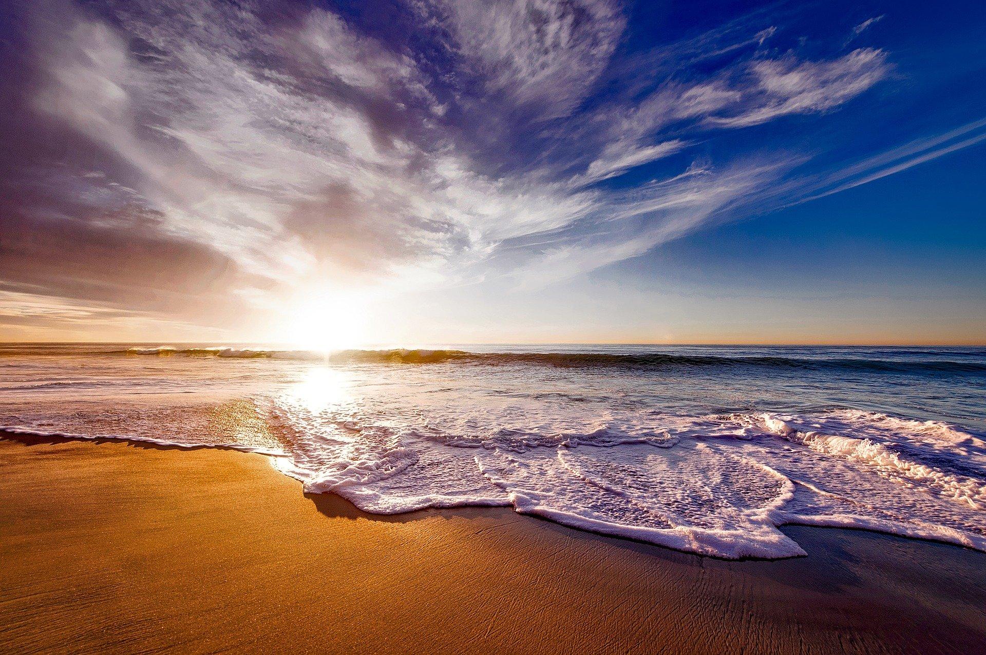 beach1751455_1920.jpg